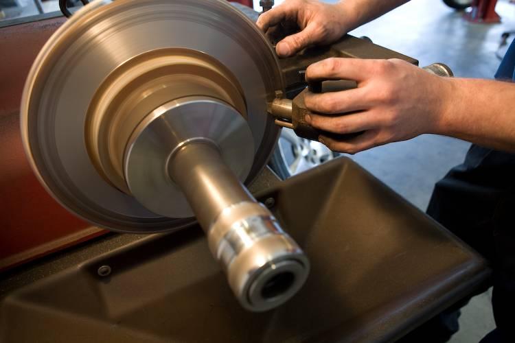 Express Oil Change & Tire Engineers - car repair  | Photo 6 of 10 | Address: 7157 Aaron Aronov Dr, Fairfield, AL 35064, USA | Phone: (205) 786-9119