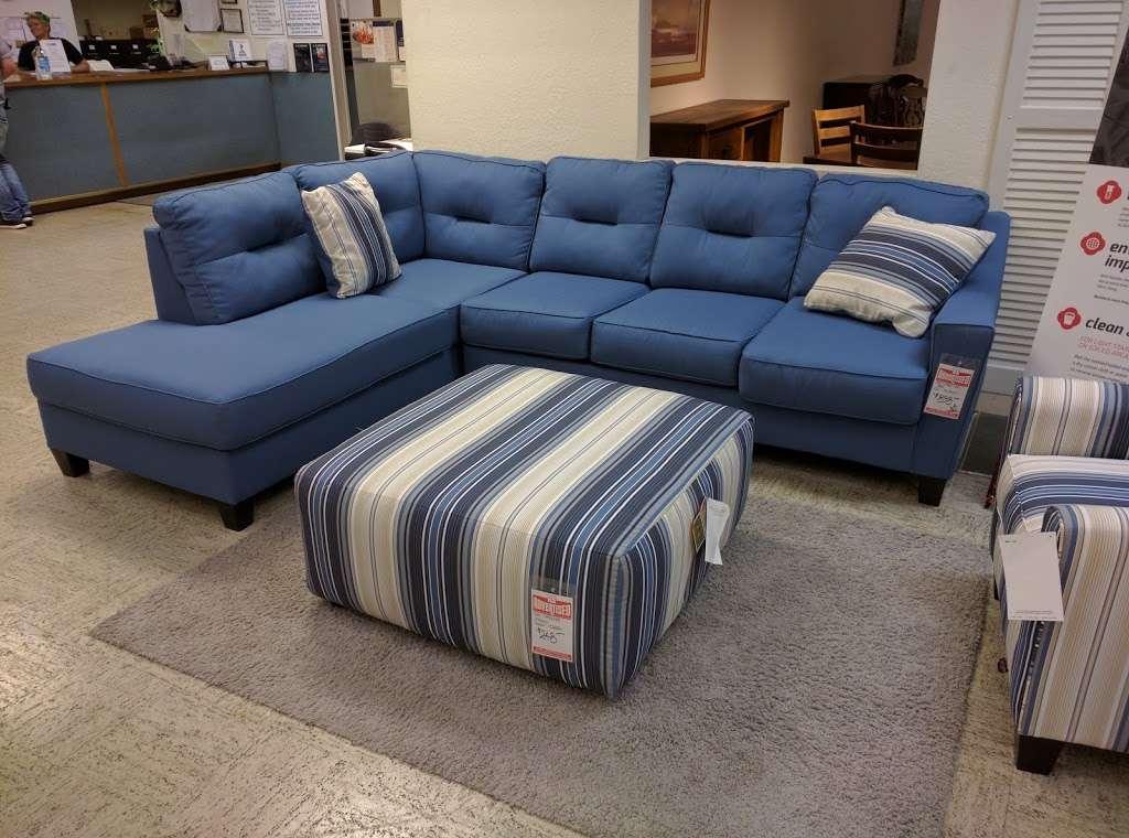L Fish Furniture - furniture store    Photo 2 of 10   Address: 8401 E Washington St, Indianapolis, IN 46219, USA   Phone: (317) 897-8401