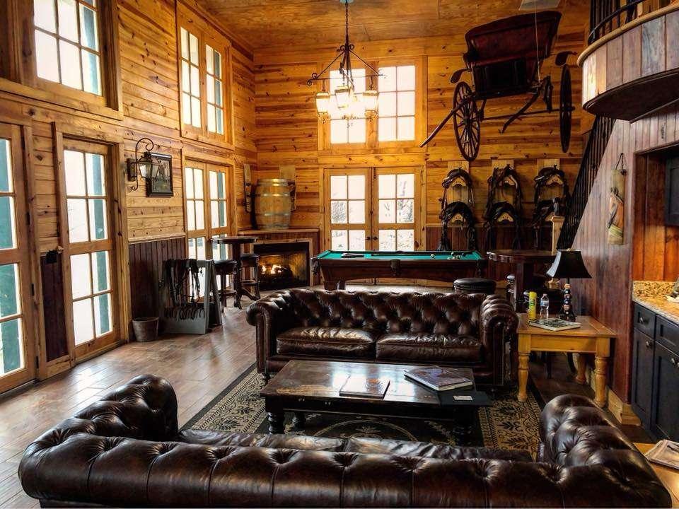 Muchas Uvas Winery - travel agency    Photo 3 of 10   Address: 116 High Meadow Manor LN, Flint Hill, VA 22627, USA   Phone: (202) 258-7095