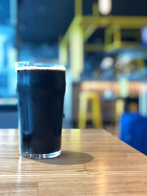 Hopworks Urban Brewery - restaurant  | Photo 4 of 8 | Address: PDX AIRPORT 7000 NE Airport Way, Concourse E, Portland, OR 97218, USA | Phone: (571) 982-0358