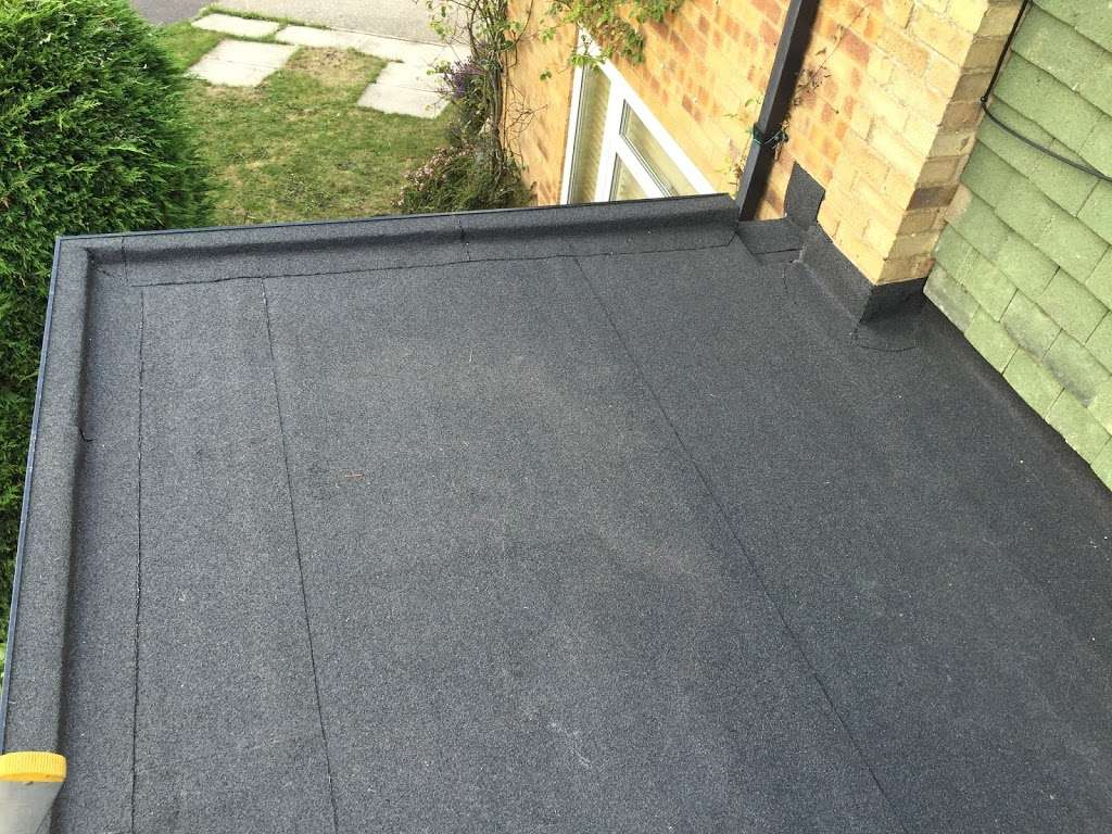 CLS Roofing Specialists - roofing contractor  | Photo 9 of 10 | Address: The Oaks Wellpond Green Standon, Ware SG11 1NN, UK | Phone: 01279 842931