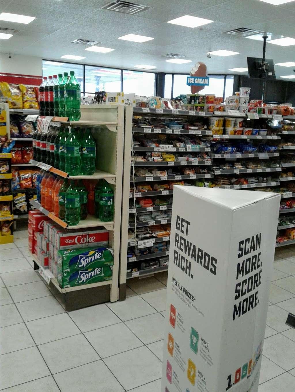 7-Eleven - convenience store  | Photo 6 of 10 | Address: 2000 N Shenandoah Ave, Front Royal, VA 22630, USA | Phone: (540) 631-7237