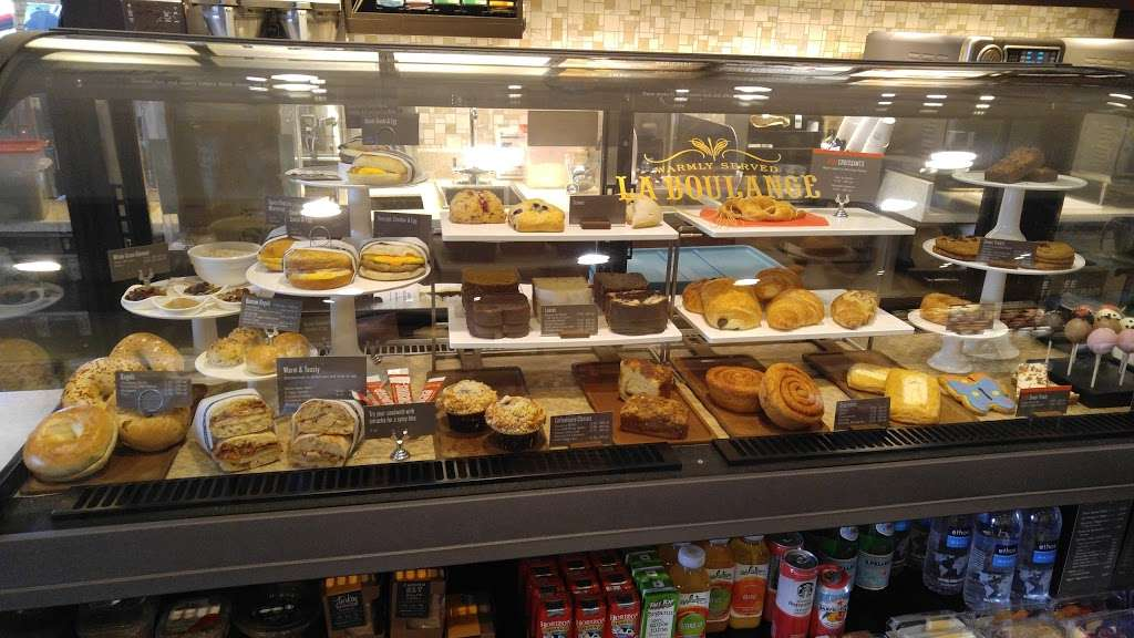 Starbucks - cafe  | Photo 8 of 10 | Address: 9955 Woodlands Pkwy, The Woodlands, TX 77382, USA | Phone: (281) 419-0329