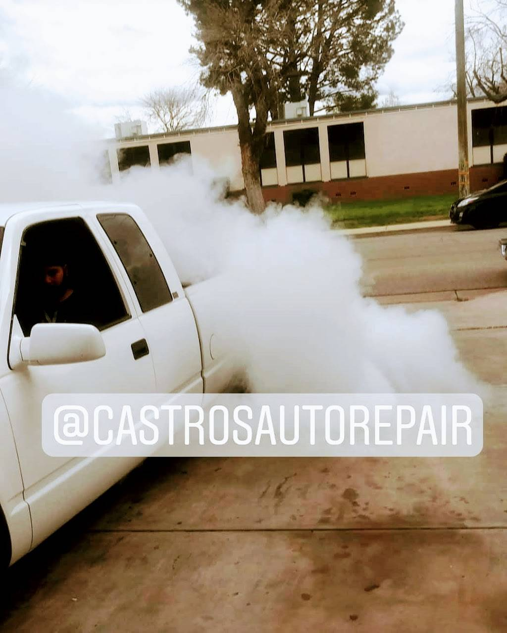 Castros Auto Diesel & Tire Repair - car repair  | Photo 7 of 10 | Address: 3910 S Chester Ave, Bakersfield, CA 93307, USA | Phone: (661) 855-0203