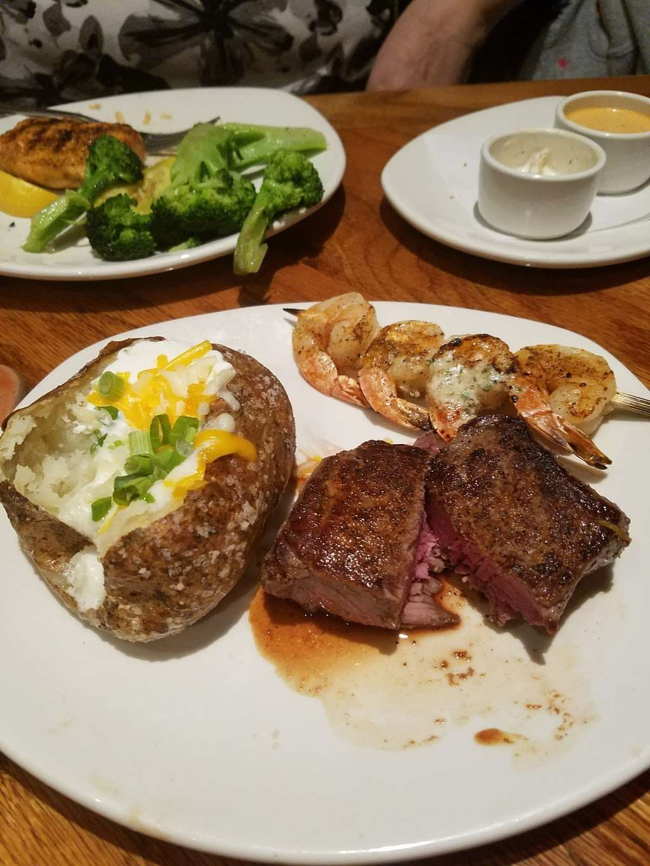Outback Steakhouse - restaurant  | Photo 9 of 10 | Address: 1061 W Avenue P, Palmdale, CA 93551, USA | Phone: (661) 274-9607