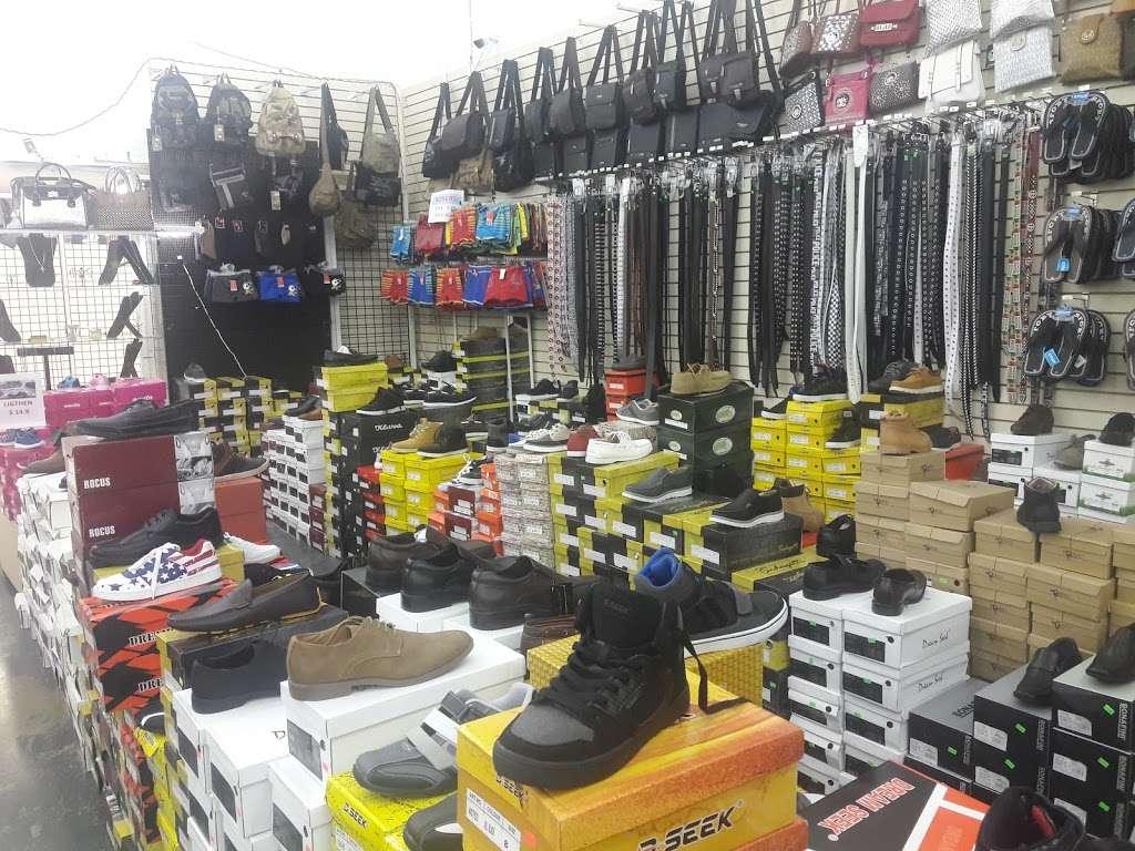 Viva Fashion Mart - clothing store  | Photo 6 of 10 | Address: 4305 State Ave, Kansas City, KS 66102, USA | Phone: (913) 287-8008