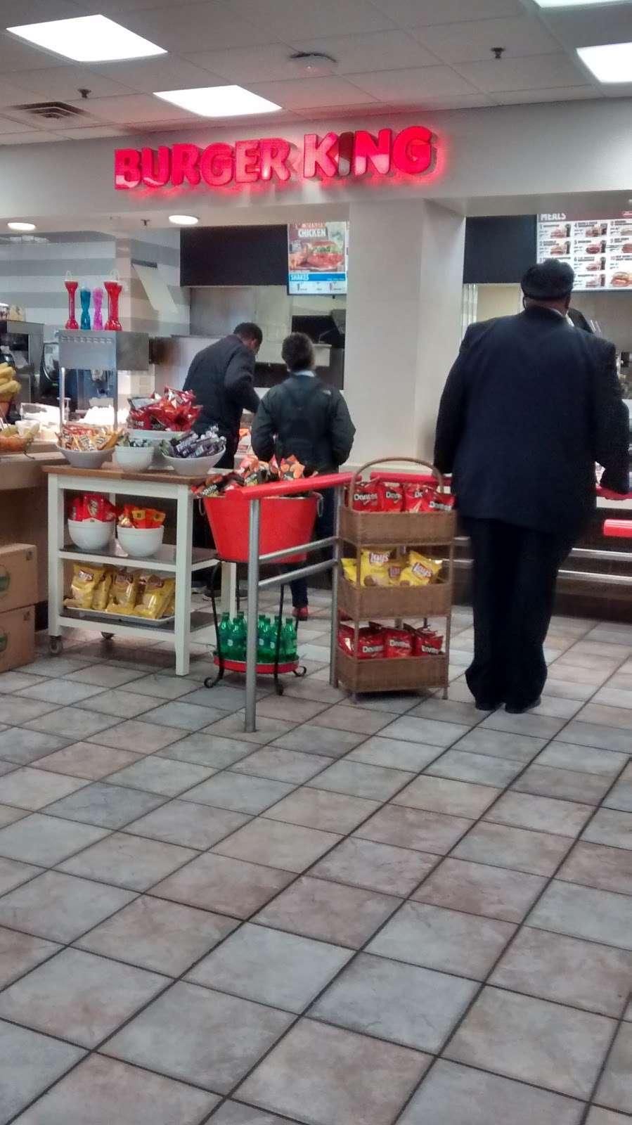 Burger King - restaurant  | Photo 4 of 10 | Address: Hms Host Vince Lombardi Travel Plaz, Ridgefield, NJ 07657, USA | Phone: (201) 943-1171