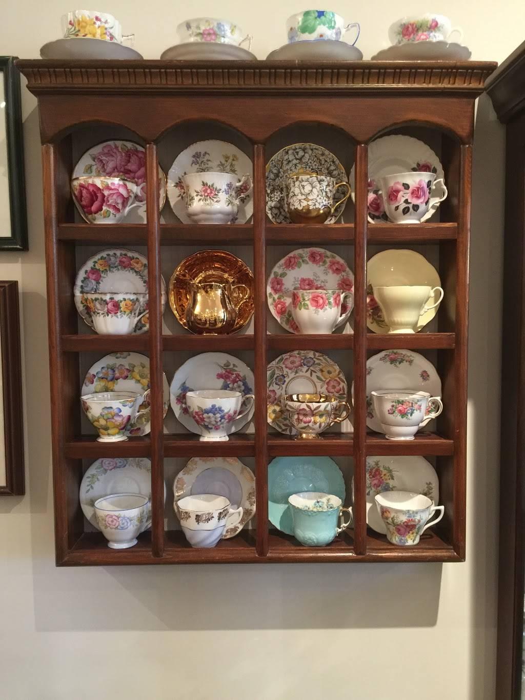Michelles Antiques Inc. - home goods store    Photo 4 of 10   Address: 3710 Main St #104, Niagara Falls, ON L2G 6B1, Canada   Phone: (289) 296-0000