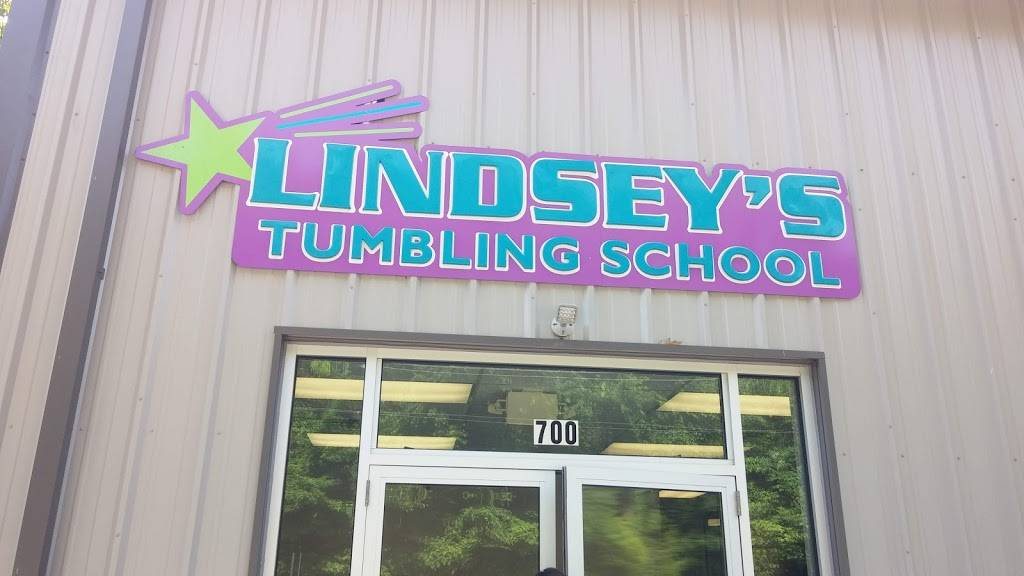 Lindseys Tumbling School - gym  | Photo 1 of 9 | Address: 700 Cochran Mill Rd, Clairton, PA 15025, USA | Phone: (412) 386-8065