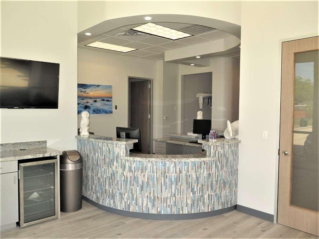 Blackhawk Dental - dentist  | Photo 1 of 7 | Address: 10304 Blackhawk Blvd Suite A, Houston, TX 77089, USA | Phone: (832) 288-2753