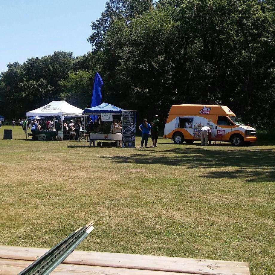 Wampum Lake Woods - park  | Photo 2 of 10 | Address: 598 Thornton Lansing Rd, Thornton, IL 60476, USA | Phone: 0000000000