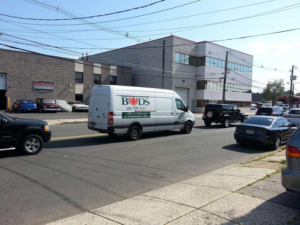 Hudson Wholesale, Inc. - clothing store  | Photo 6 of 10 | Address: 326 Hudson St, Hackensack, NJ 07601, USA | Phone: (201) 489-7282