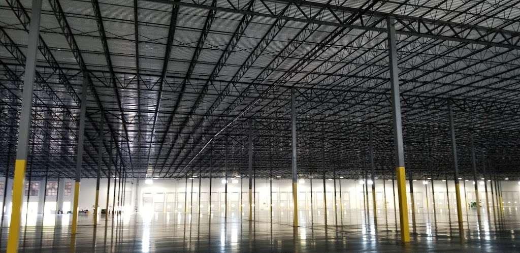 Easton maverik bauer - storage  | Photo 5 of 5 | Address: 2856 Ronald Reagan Pkwy, Indianapolis, IN 46231, USA
