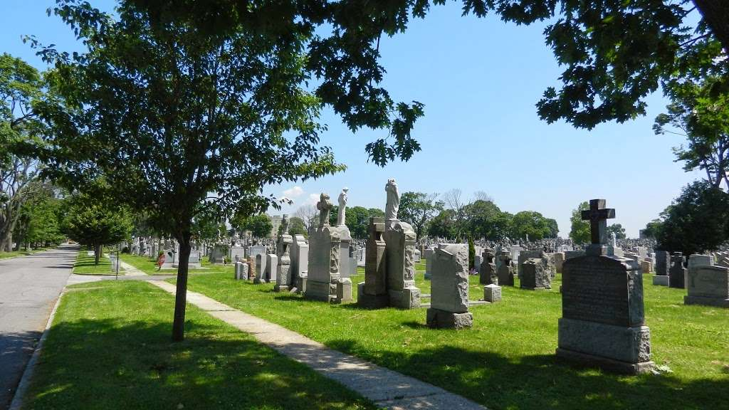 Calvary Cemetery - cemetery  | Photo 6 of 10 | Address: 49-02 Laurel Hill Blvd, Woodside, NY 11377, USA | Phone: (718) 786-8000