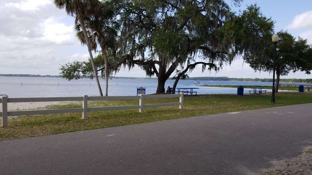 Waterfront Park - park  | Photo 6 of 10 | Address: 330 3rd St, Clermont, FL 34711, USA | Phone: (352) 394-3500