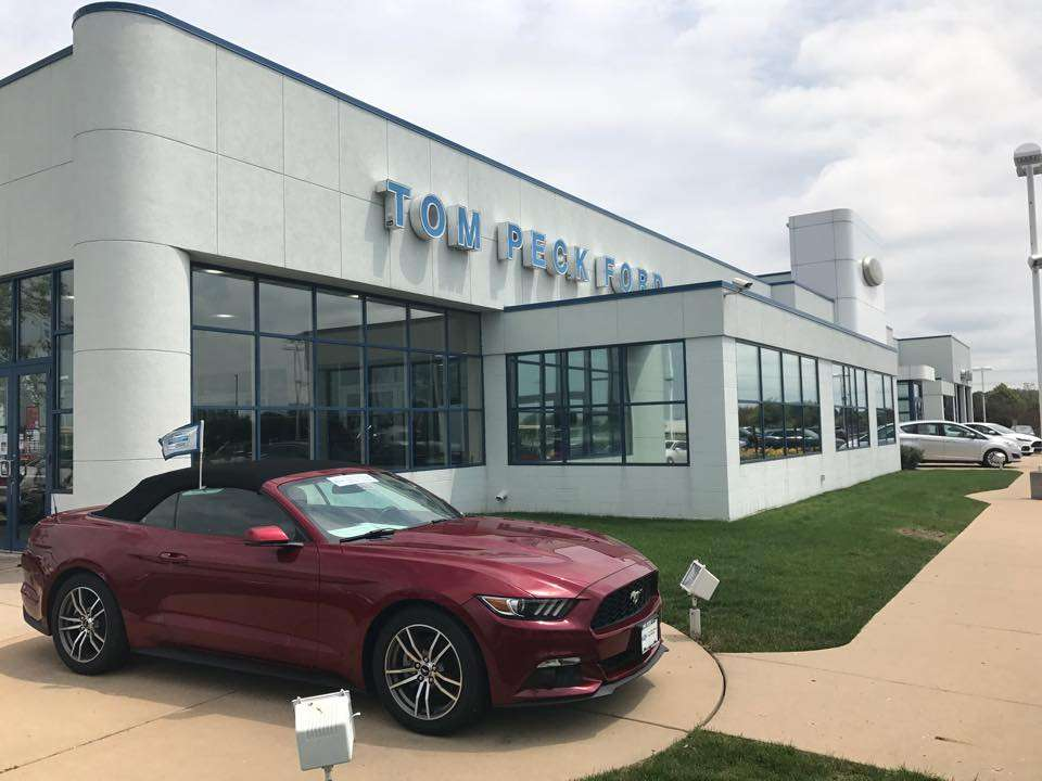 Tom Peck Ford of Huntley - car repair  | Photo 2 of 10 | Address: 13900 Automall Dr, Huntley, IL 60142, USA | Phone: (847) 669-6060