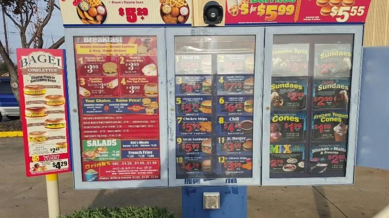 Braums Ice Cream & Burger Restaurant - restaurant  | Photo 8 of 10 | Address: 2802 Lavon Dr, Garland, TX 75040, USA | Phone: (972) 495-2221