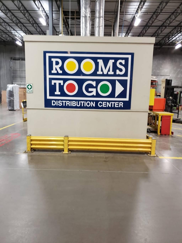 Rooms To Go Distribution Center - storage  | Photo 6 of 9 | Address: 3500 S Watson Rd, Arlington, TX 76014, USA | Phone: (800) 766-6786
