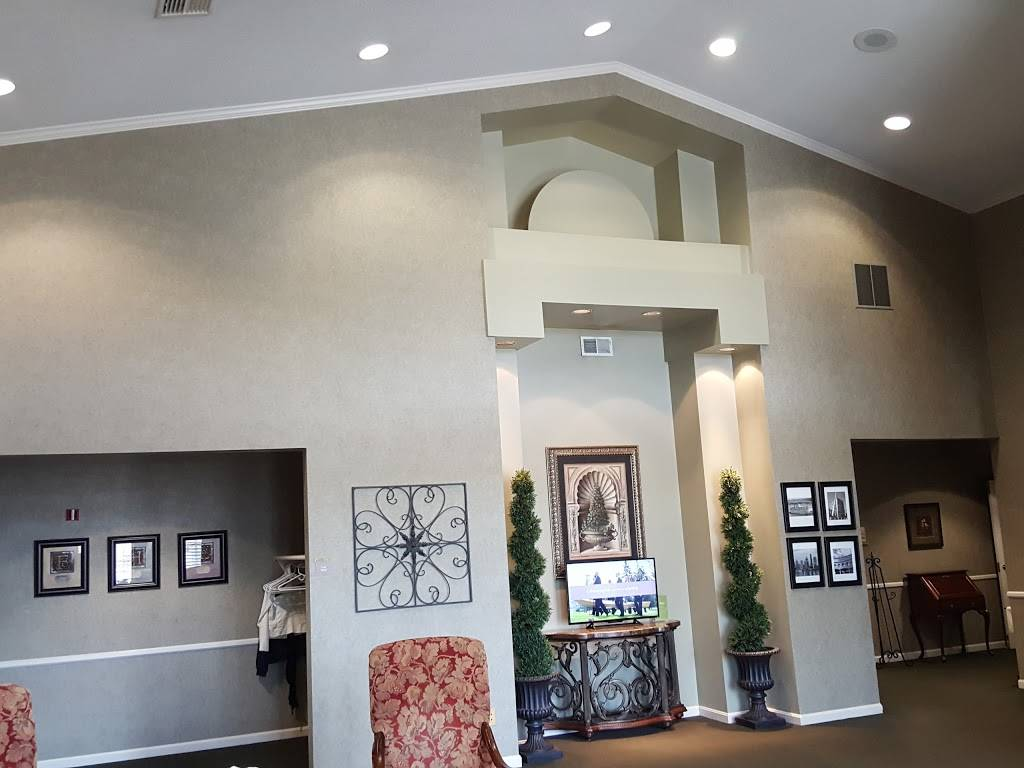 Evergreen Funeral Home - funeral home  | Photo 6 of 10 | Address: 4623 Preston Hwy, Louisville, KY 40213, USA | Phone: (502) 366-1481