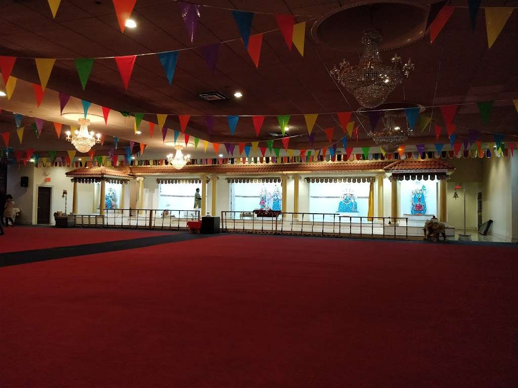Hindu Community Center - hindu temple  | Photo 9 of 10 | Address: 156 Schuyler Ave, Kearny, NJ 07032, USA | Phone: (201) 997-5556