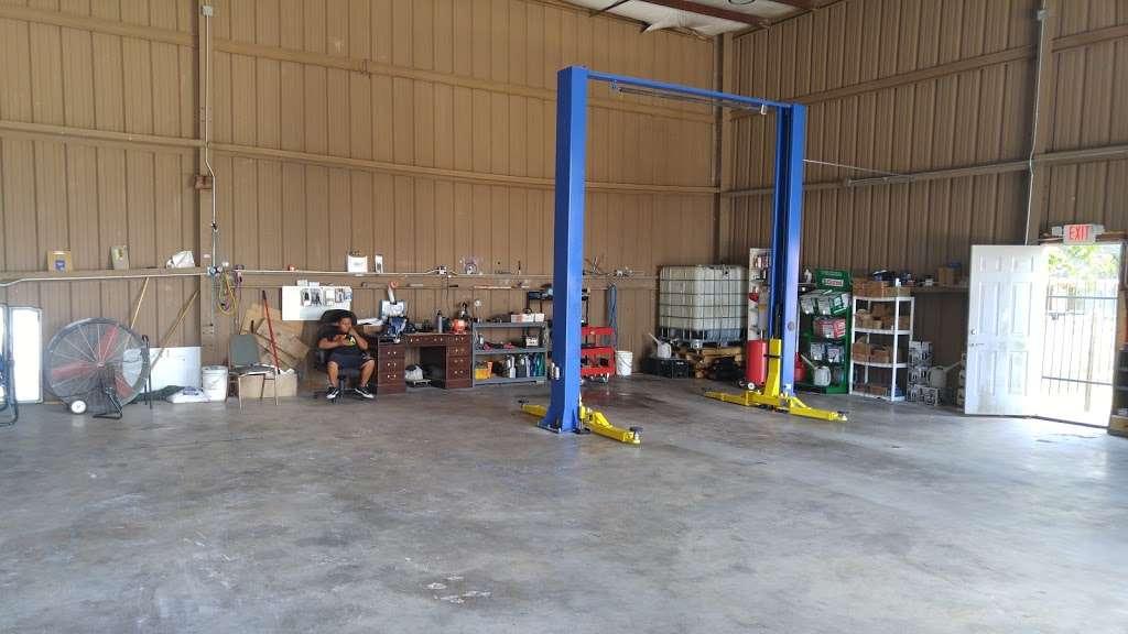A M Lube & Auto Care - car repair    Photo 1 of 3   Address: 16002 Old Richmond Rd, Sugar Land, TX 77498, USA   Phone: (832) 295-3424