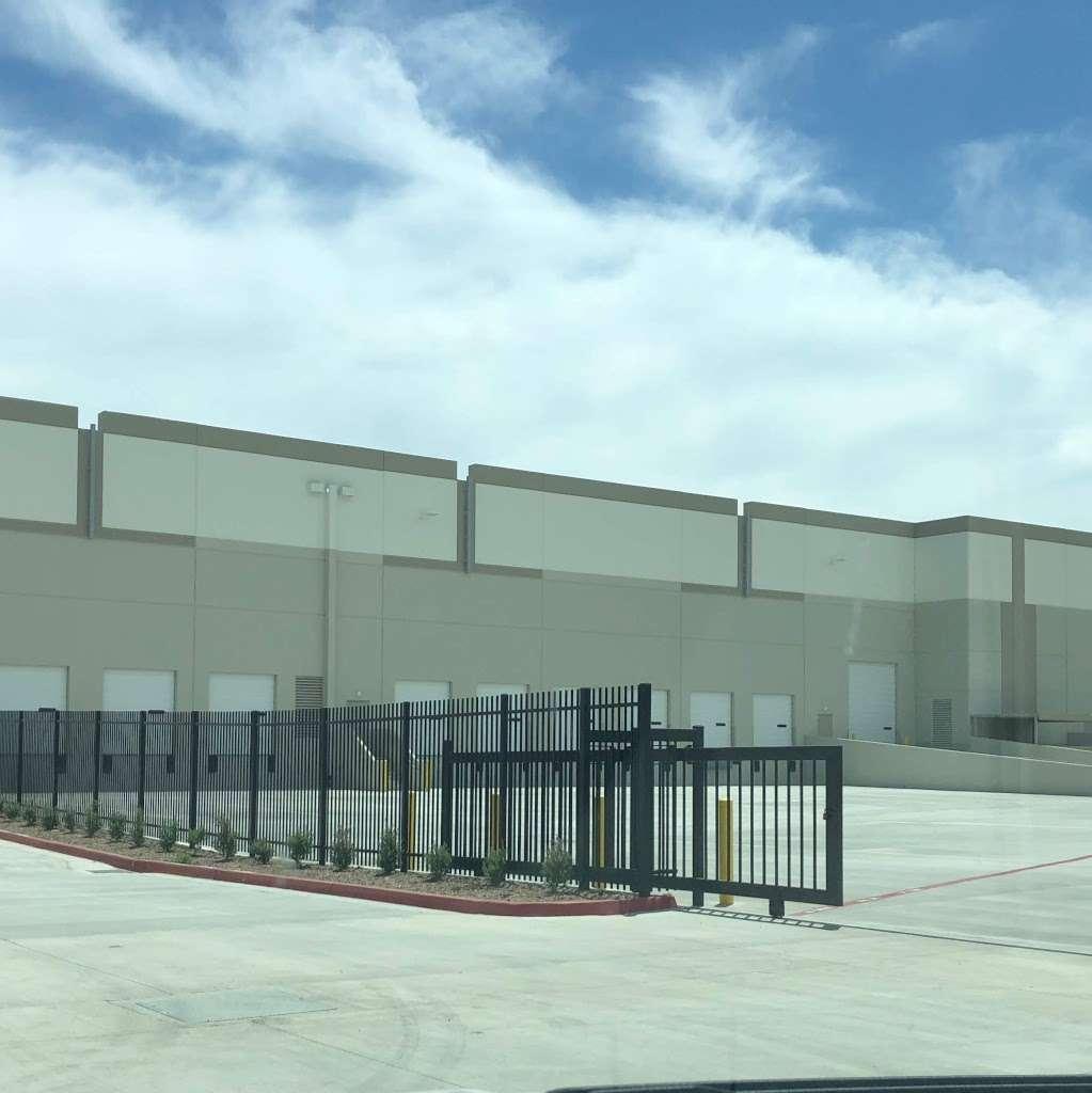 VSR Logistics - storage  | Photo 4 of 4 | Address: 14999 Summit Drive, Eastvale, CA 92880, USA | Phone: (951) 463-9538