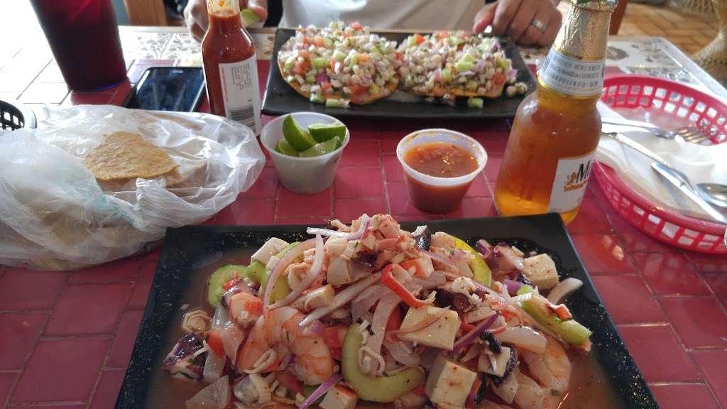 Mariscos El Ostion - restaurant  | Photo 5 of 10 | Address: 995 W Mission Blvd, Pomona, CA 91766, USA | Phone: (909) 622-1870