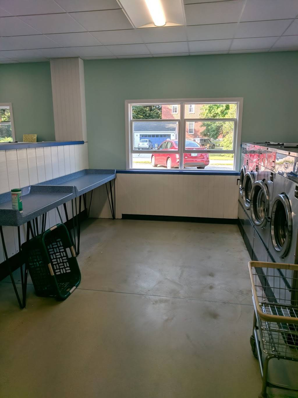 Laundromat - laundry  | Photo 1 of 4 | Address: 845 Lafayette Rd, Seabrook, NH 03874, USA