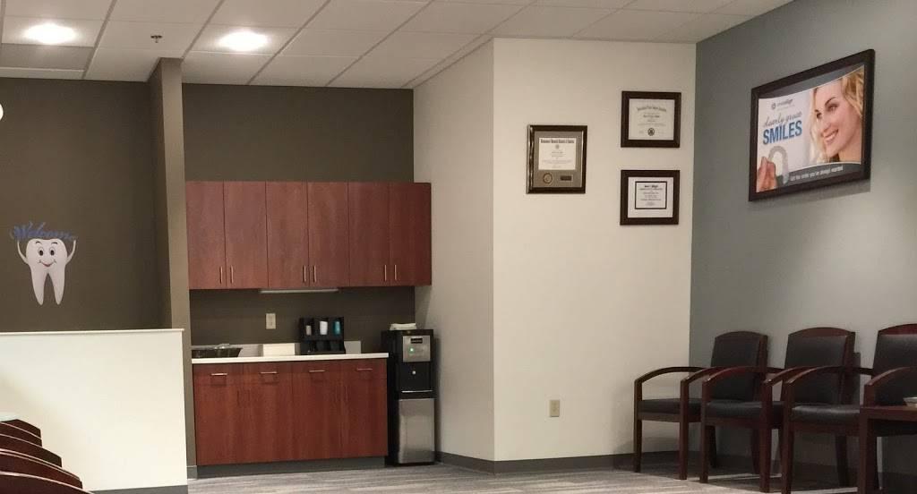 Maple Brook Dental of MN - dentist  | Photo 3 of 6 | Address: 8401 W Broadway Ave, Brooklyn Park, MN 55445, USA | Phone: (763) 424-5313