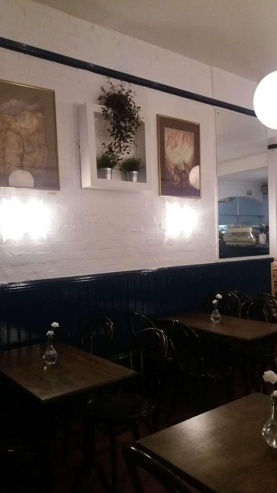 STELLAS ROOM - cafe  | Photo 10 of 10 | Address: 46 Fortis Green Rd, London N10 3HN, UK | Phone: 07789 250612