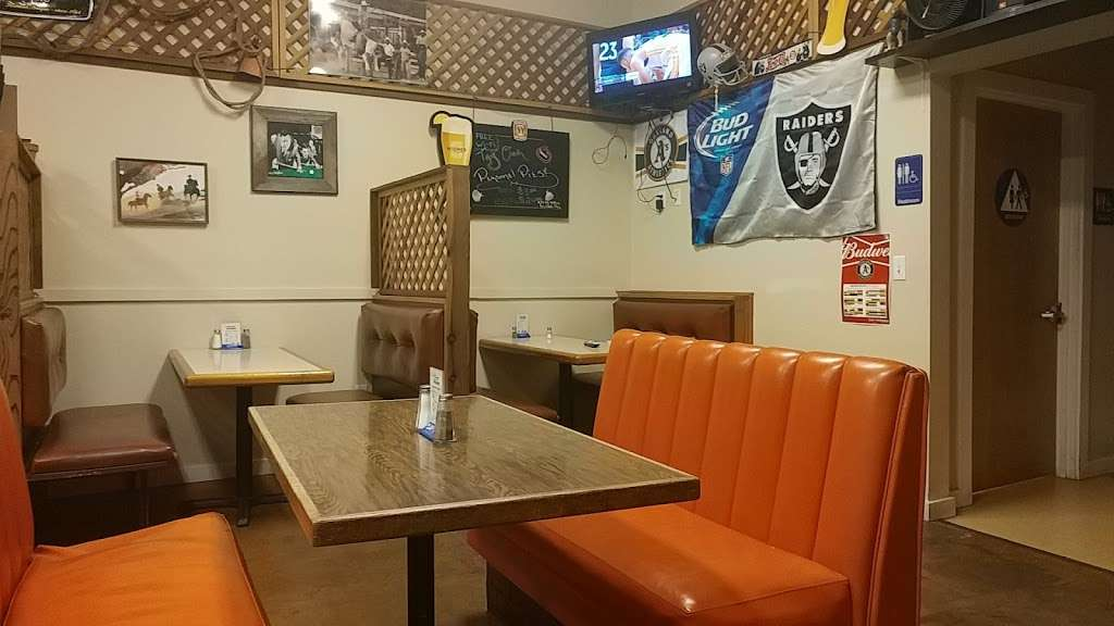 Pack Jack Barbecue - restaurant  | Photo 2 of 10 | Address: 3963 Gravenstein Hwy S, Sebastopol, CA 95472, USA | Phone: (707) 827-3665