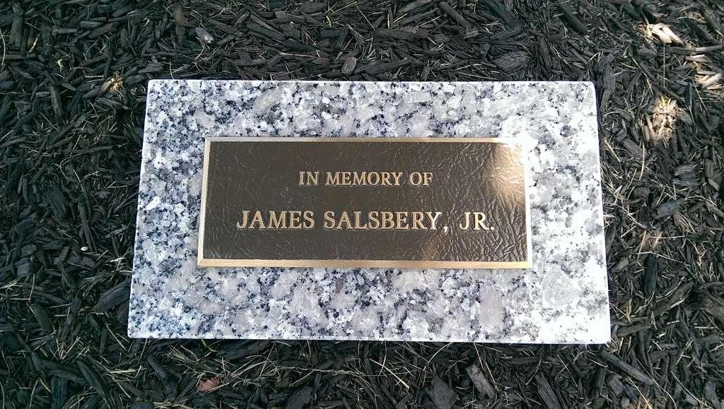 Sunset Memory Garden Funeral Home - funeral home  | Photo 2 of 4 | Address: 2097 W Alto Rd, Kokomo, IN 46902, USA | Phone: (765) 453-2310