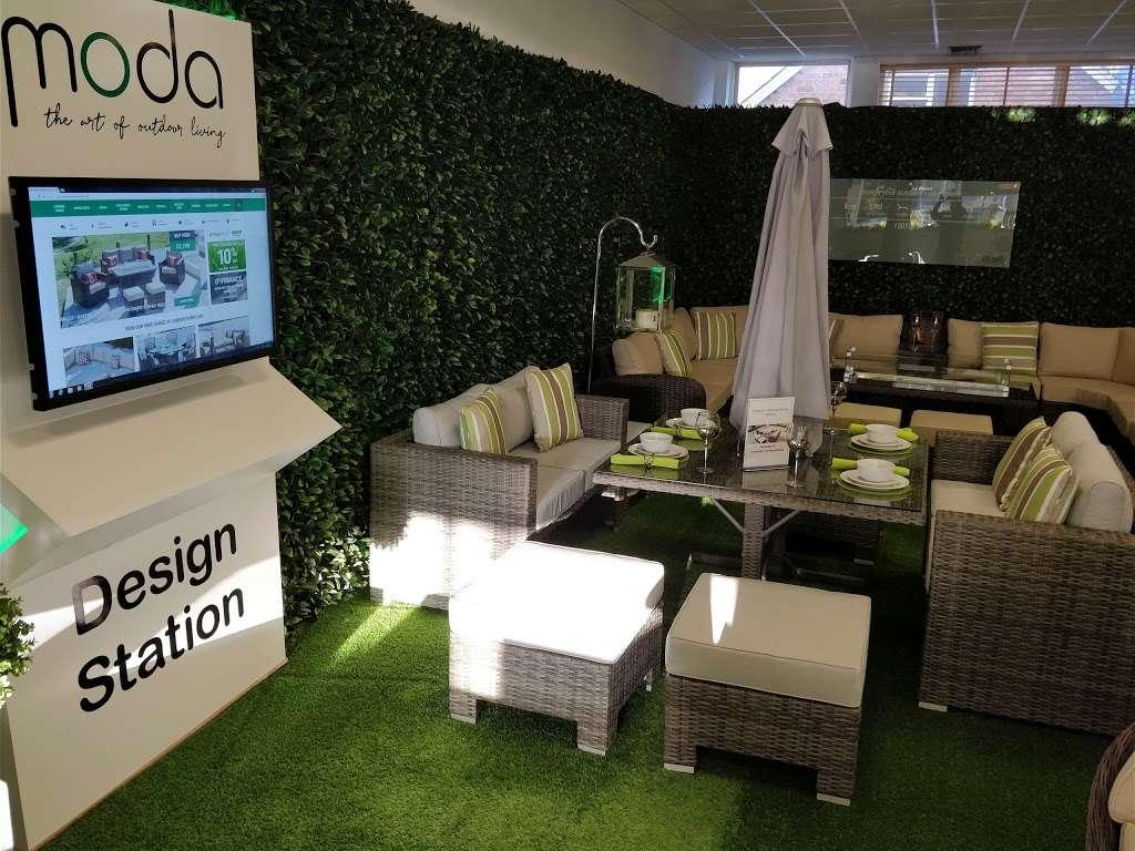 Moda Outdoor Furniture - furniture store    Photo 9 of 10   Address: 22-28 Godstone Rd, Caterham CR3 6RA, UK   Phone: 01883 708635