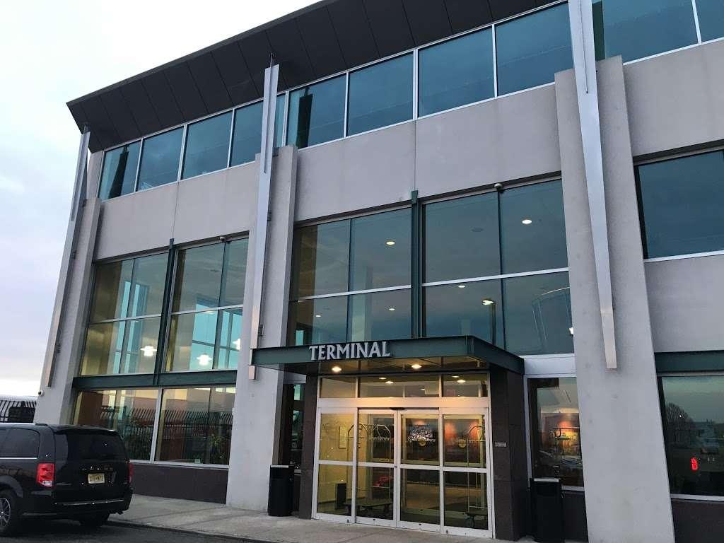 Meridian - airport  | Photo 10 of 10 | Address: 485 Industrial Ave, Teterboro, NJ 07608, USA | Phone: (201) 288-5040