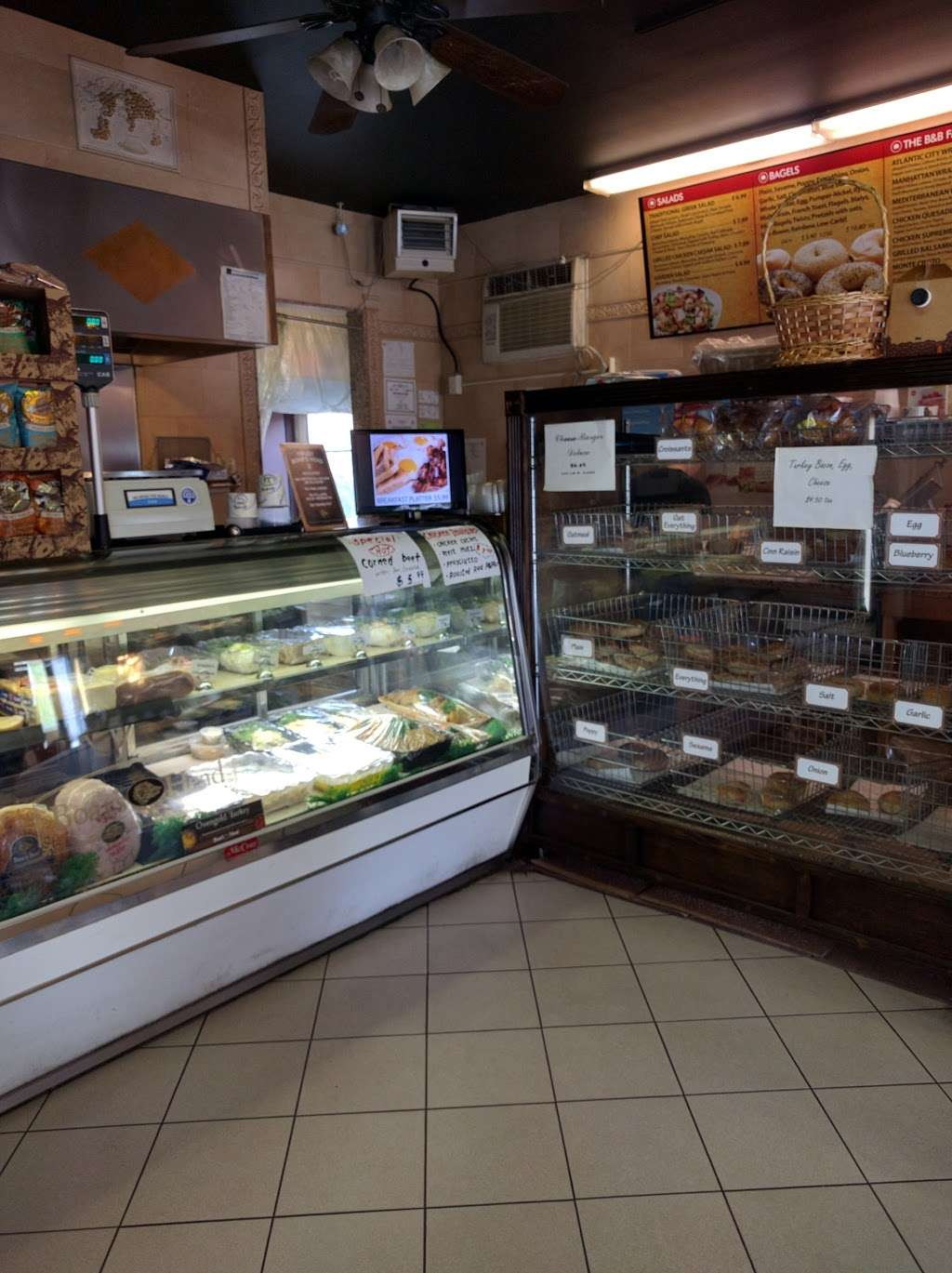 Bagel & Bagel - bakery  | Photo 4 of 9 | Address: 775 Edgewater Ave, Ridgefield, NJ 07657, USA | Phone: (201) 941-5626