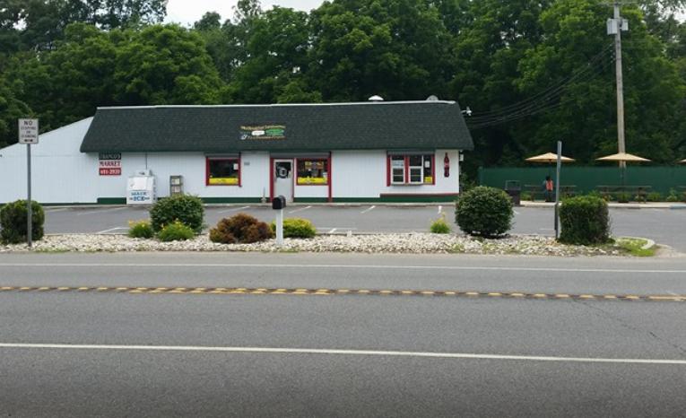 Francos Market Deli & Pizzeria - meal delivery  | Photo 3 of 10 | Address: 1346 NJ-77, Bridgeton, NJ 08302, USA | Phone: (856) 451-2920