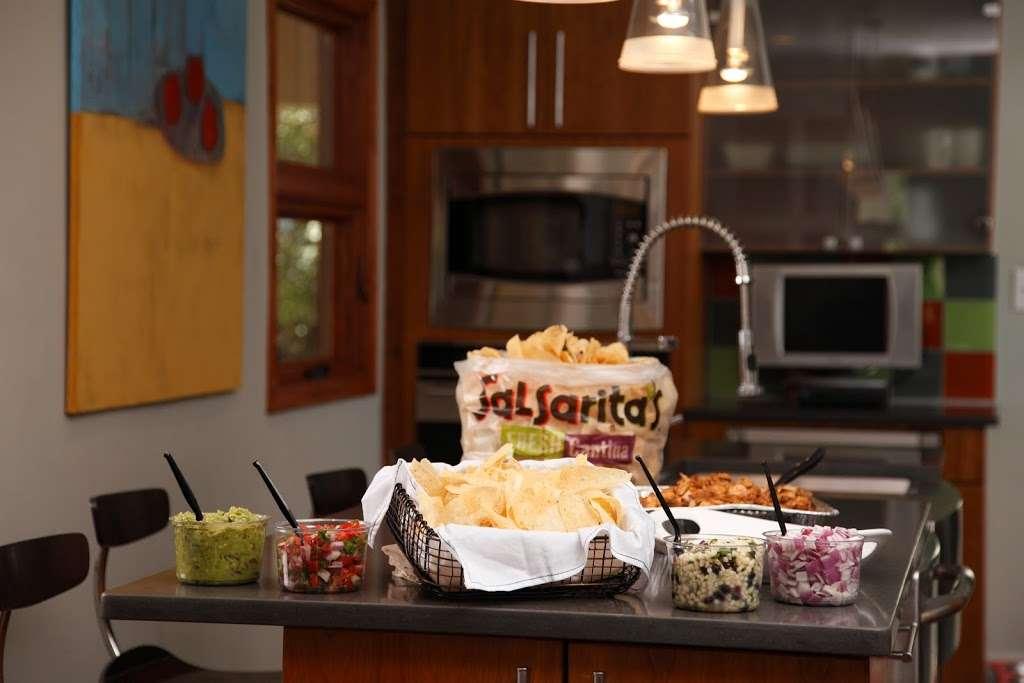 Salsaritas Fresh Mexican Grill - restaurant  | Photo 6 of 10 | Address: 120 Summit Park Dr #600, Salisbury, NC 28146, USA | Phone: (704) 870-3037