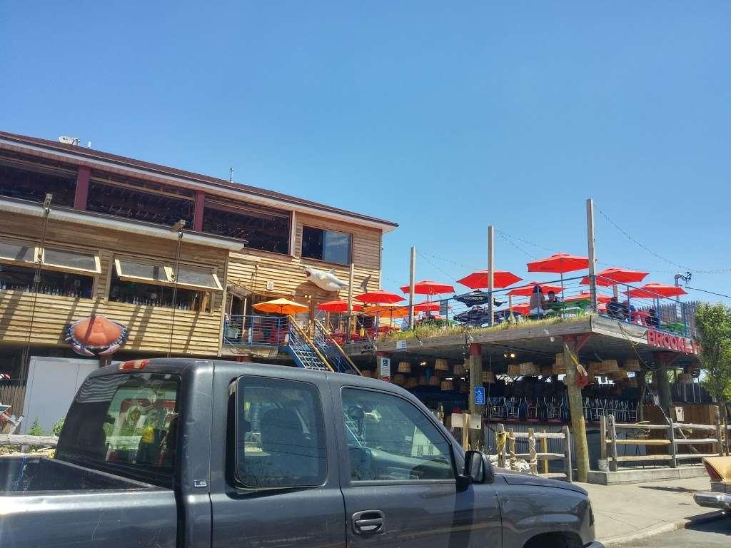 Fairway Market Red Hook - supermarket  | Photo 3 of 10 | Address: 480-500 Van Brunt St, Brooklyn, NY 11231, USA | Phone: (718) 254-0923