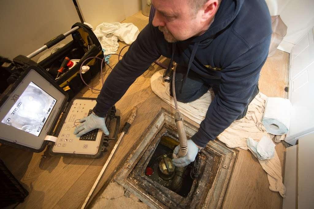 Aspect - plumber    Photo 9 of 10   Address: E7, Barwell Business Park, Leatherhead Rd, Chessington KT9 2NY, UK   Phone: 020 3797 3570