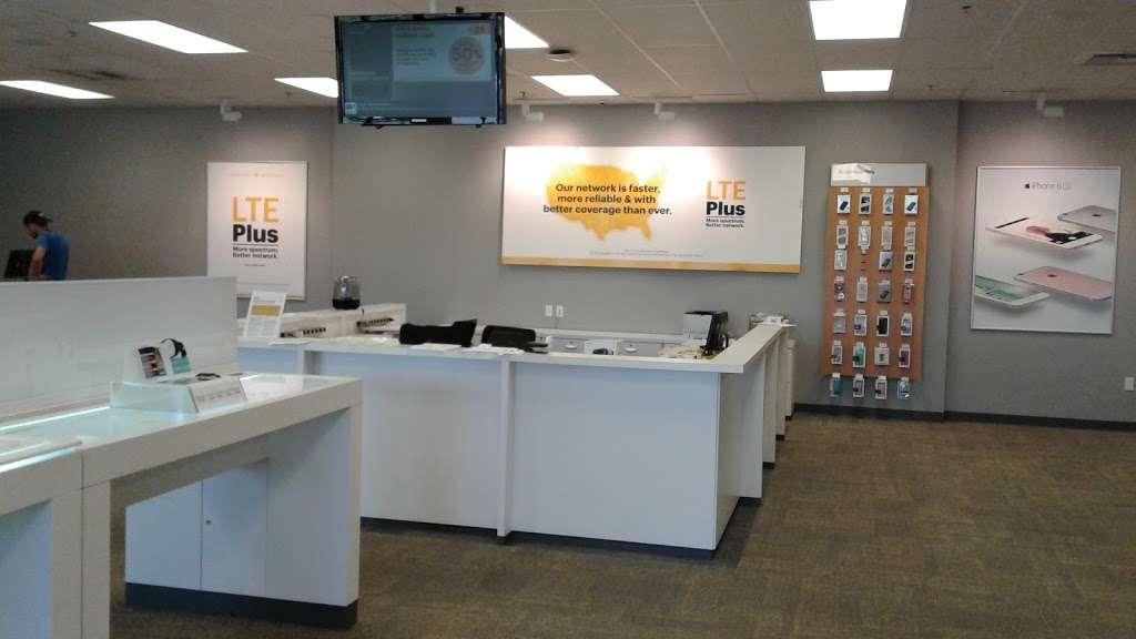 Sprint Store - electronics store  | Photo 9 of 10 | Address: 27650 Eucalyptus Ave, Moreno Valley, CA 92555, USA | Phone: (951) 247-4262