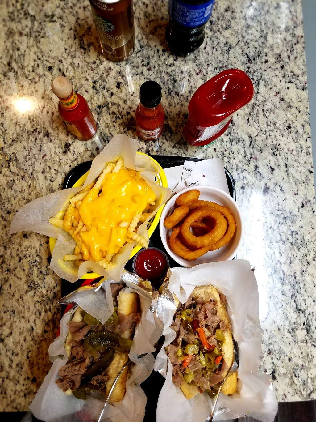 Tom and Jerry's Gyros - meal takeaway  | Photo 9 of 10 | Address: 6359 W Montrose Ave, Chicago, IL 60634, USA | Phone: (773) 282-1111