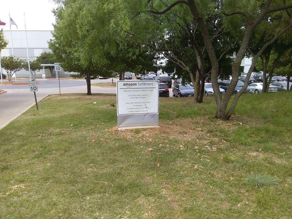 Amazon Fulfillment Center DFW8 - storage    Photo 6 of 10   Address: 2700 Regent Blvd, Irving, TX 75063, USA