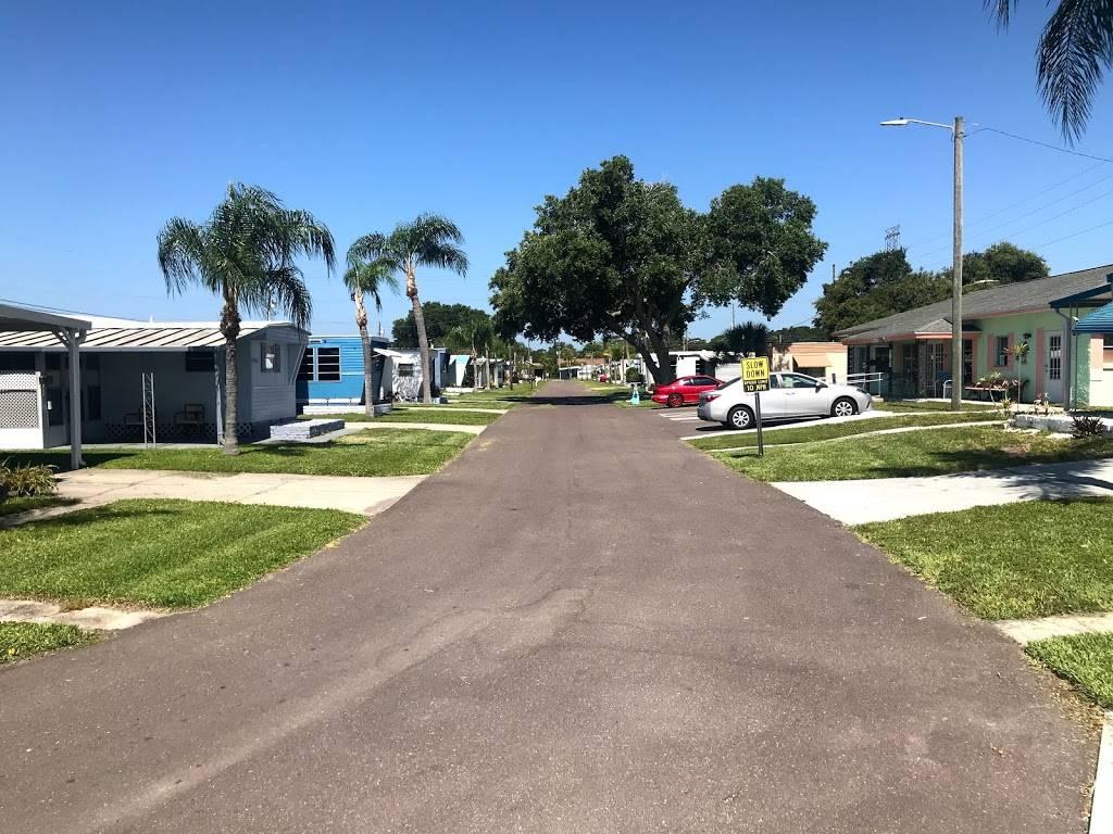 Far Horizon Mobile Home Park - rv park    Photo 1 of 8   Address: 2580 Nursery Rd, Clearwater, FL 33764, USA   Phone: (727) 524-2724