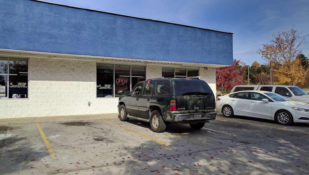 Huntersville Coin Laundry - laundry  | Photo 5 of 10 | Address: 14339 Hunters Rd, Huntersville, NC 28078, USA | Phone: (704) 875-0965