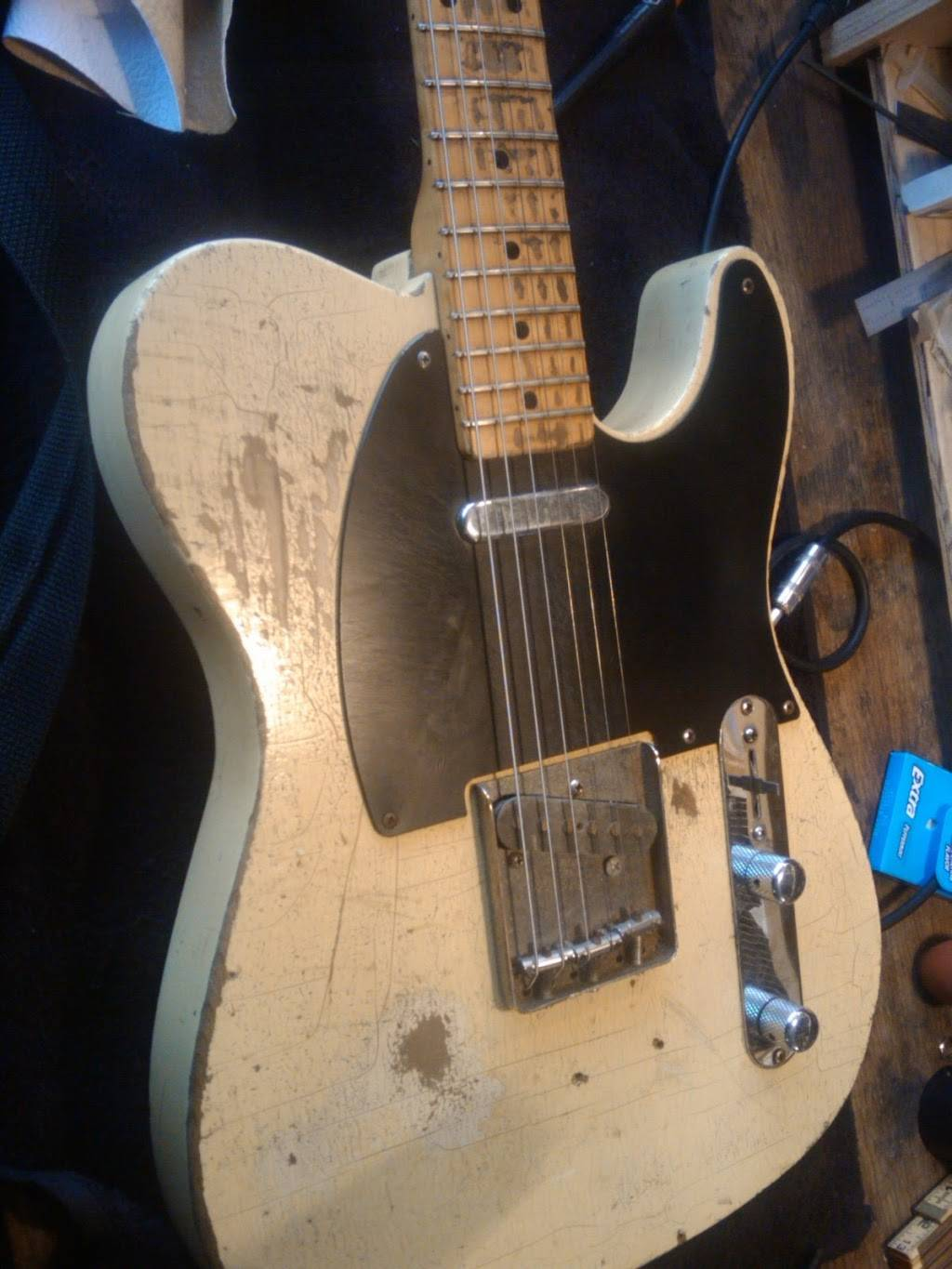 Sick String Guitar Repair - electronics store  | Photo 6 of 9 | Address: 8729 N Delaware Ave, Portland, OR 97217, USA | Phone: (971) 930-4133