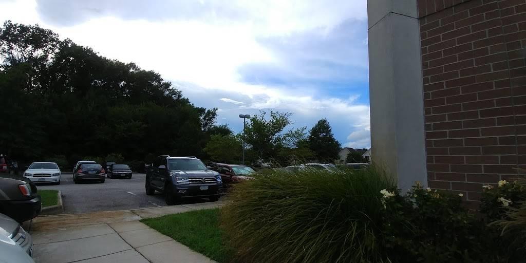Tricare Prime Clinic - health    Photo 3 of 9   Address: 2100 Lynnhaven Pkwy UNIT 201, Virginia Beach, VA 23456, USA   Phone: (757) 953-6708