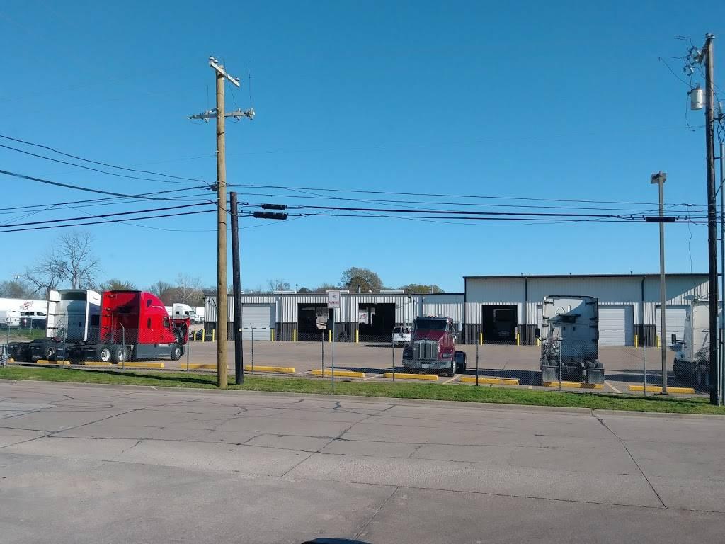 Heartland Express - moving company  | Photo 2 of 3 | Address: 215 Environmental Way, Seagoville, TX 75159, USA | Phone: (800) 441-4953