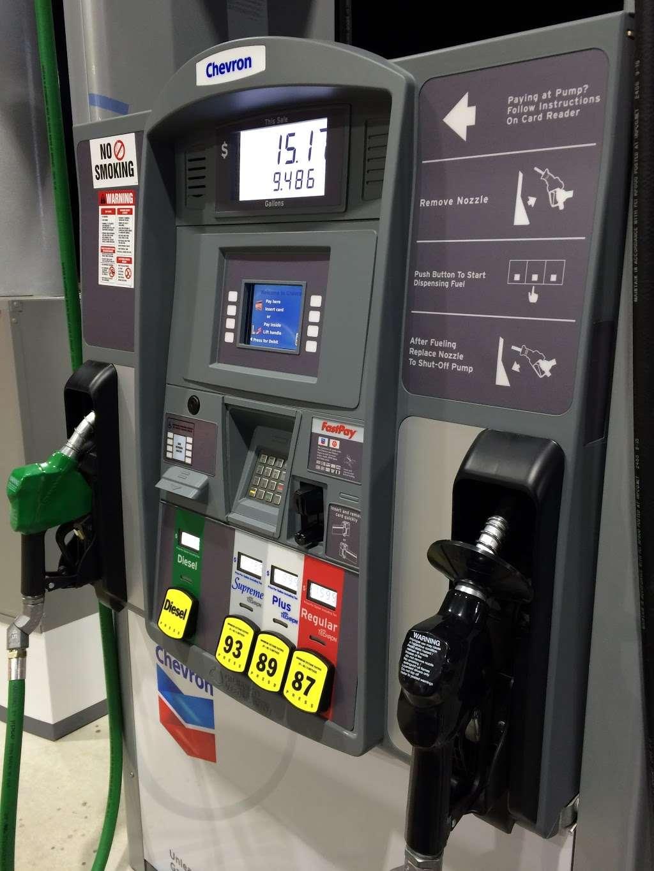 Chevron - gas station  | Photo 4 of 4 | Address: 45260 US-290 BUS, Hempstead, TX 77445, USA