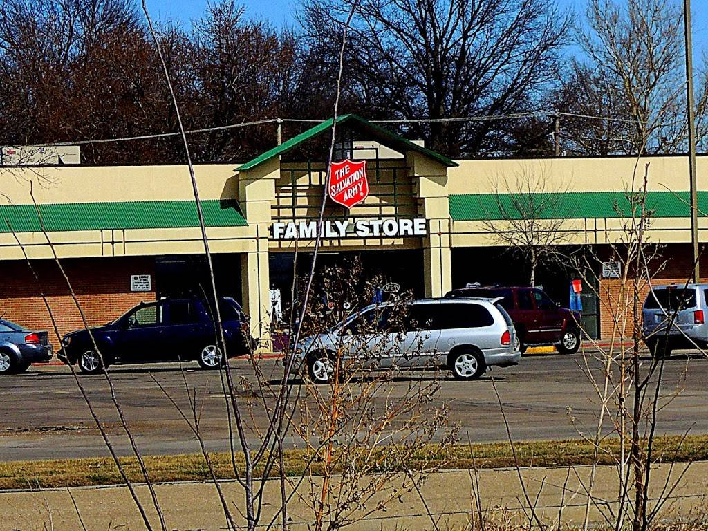 The Salvation Army Family Store & Donation Center - clothing store  | Photo 4 of 10 | Address: 4690 Leighton Ave, Lincoln, NE 68504, USA | Phone: (402) 466-5052
