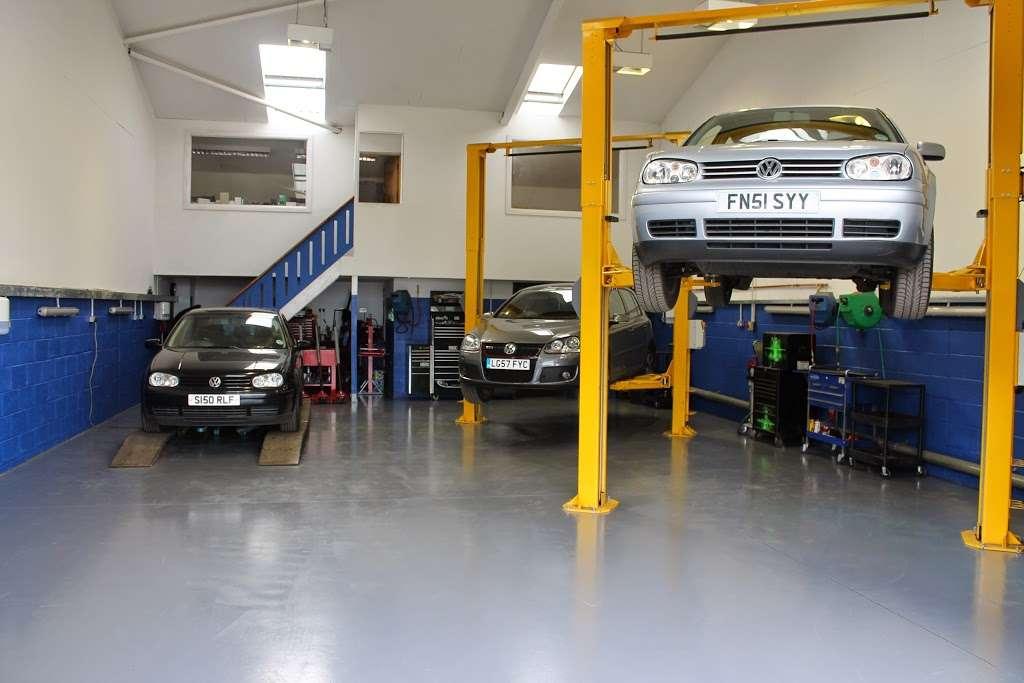 VGS Volkswagen Group Specialist - car repair    Photo 1 of 10   Address: Unit 1a, Layhams Farm, Layhams Rd, Keston BR2 6AR, UK   Phone: 01959 575214